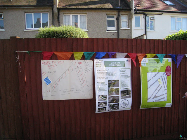 """Information at the """"drop in"""" at Ardlui Road"""